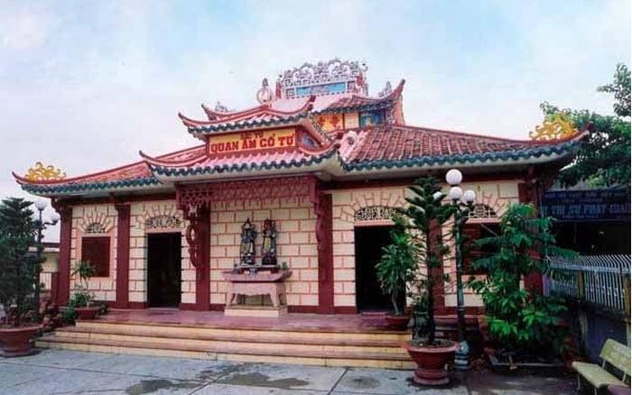 Mặt tiền chùa Quan Âm Cổ Tự