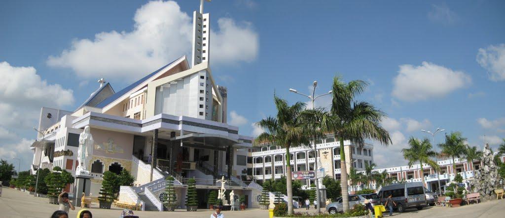 Toàn cảnh nhà thờ Cha Diệp