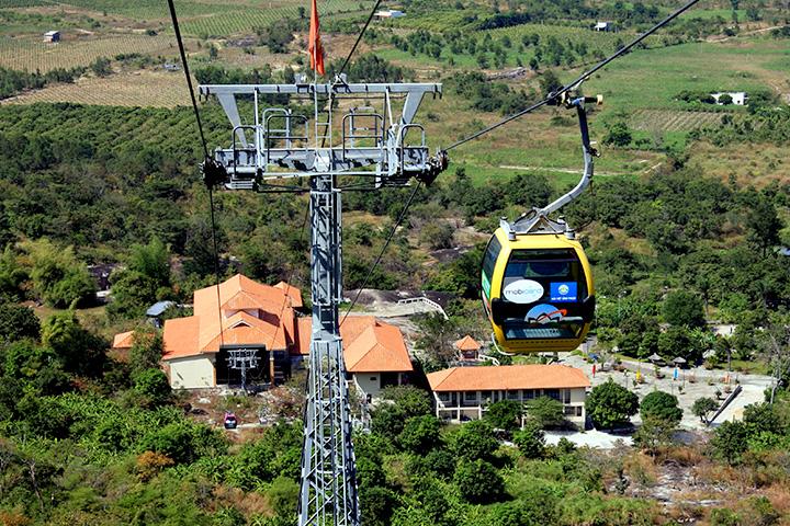 Cáp treo núi Tà Cú - Bình Thuận