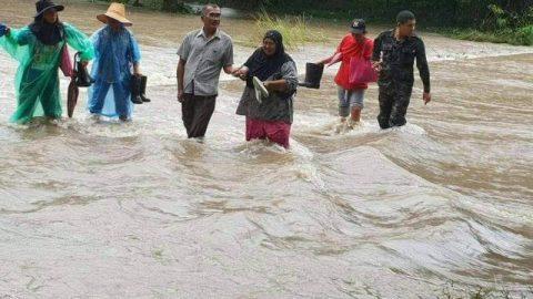 Bão lớn Pabuk tấn công 16 tỉnh thành phía nam Thái Lan