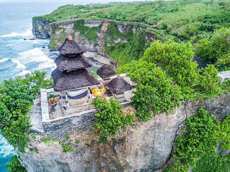 Tham quan ngôi đền Uluwatu Bali indonesia