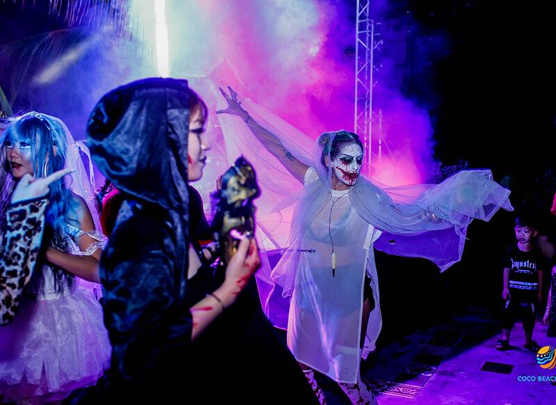 Lễ hội ma quỷ Halloween năm nay trùng vào dịp trăng tròn